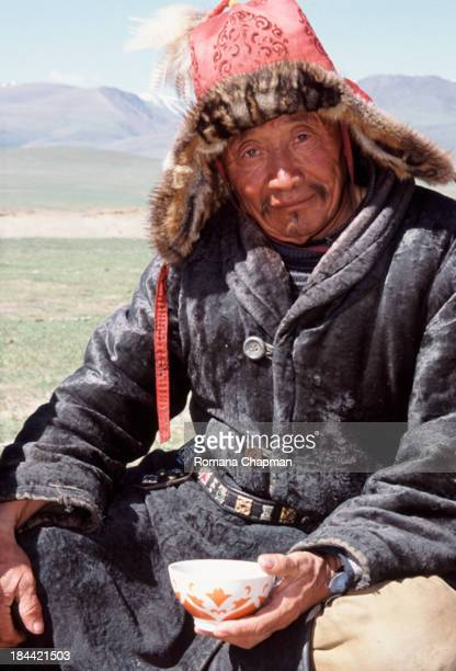CONTENT] in the west of mongolia many people actually come from Kazakhstan just like this man They are famed for their eagle hunting skills This man...