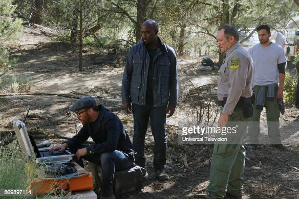 CROWD 'In The Wild' Episode 102 Pictured Jeremy Piven as Jeffrey Tanner Richard T Jones as Detective Tommy Cavanaugh Garvin Cross as Park Policeman