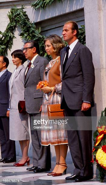In their official visit to Mexico the Spanish Kings Juan Carlos and Sofia in a wreath to the Unknown Soldier Third November 1978 Mexico City Mexico