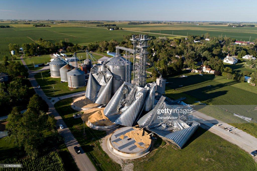Powerful Derecho Causes Widespread Damage Across Iowa Farmland : News Photo