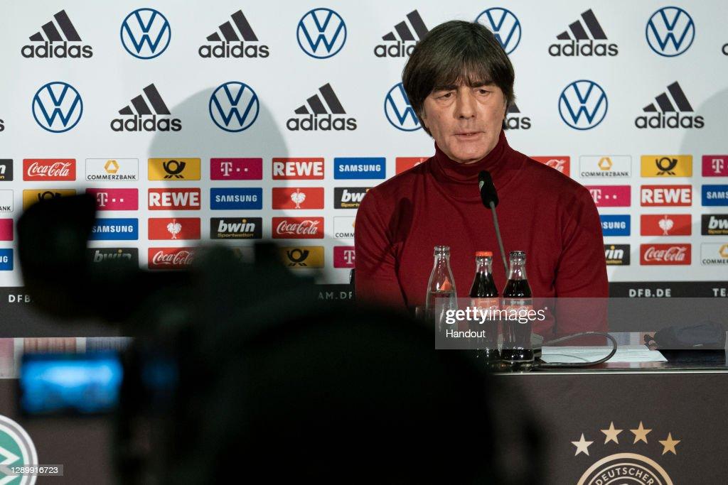 DFB Press Conference : News Photo