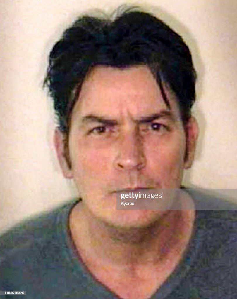 Charlie Sheen Mug Shot : ニュース写真
