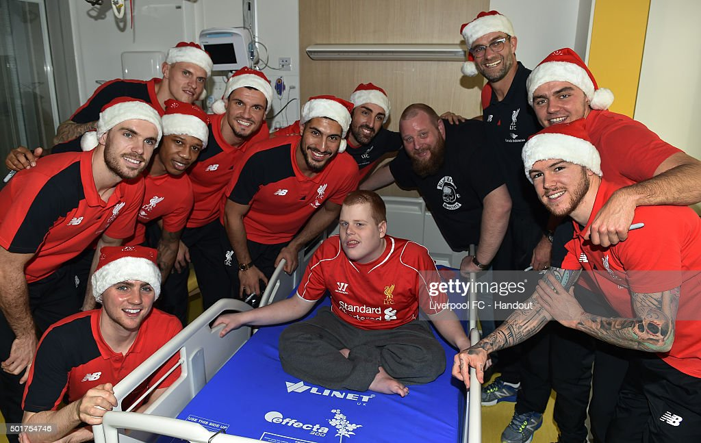 Liverpool Players Deliver Presents to Alder Hey Hospital