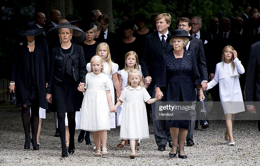 Prince Friso Of The Netherlands Laid To Rest In Lage Vuursche : Nieuwsfoto's