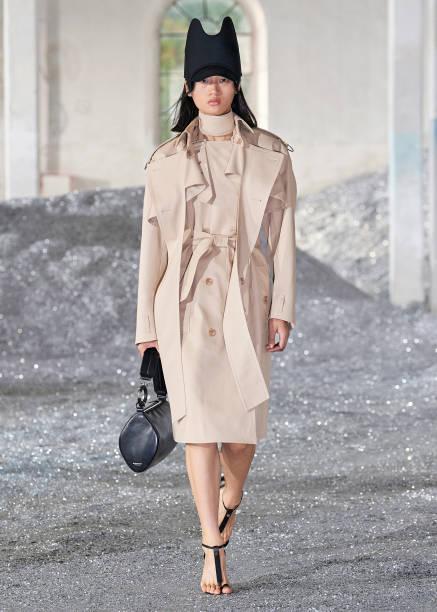 GBR: Burberry Spring/Summer 2022 Womenswear Presentation