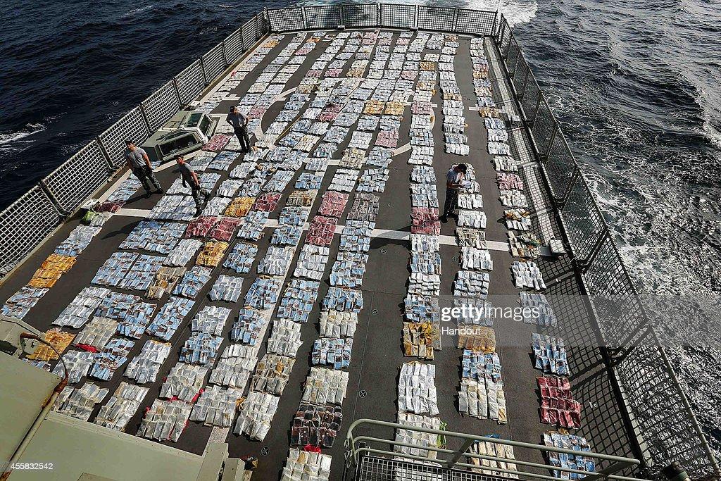 HMAS Toowoomba Intercepts Drugs Off Africa : News Photo