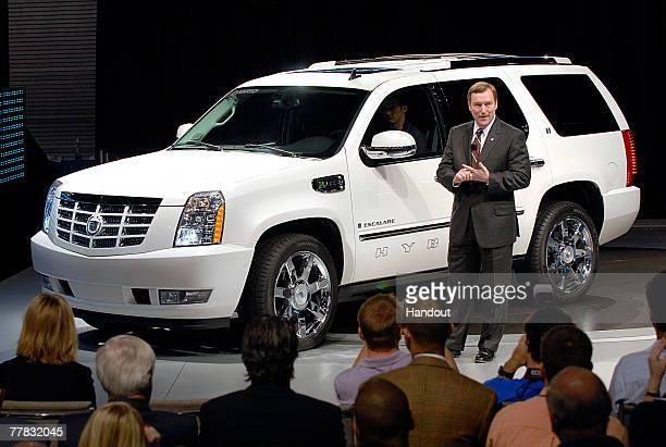38 Cadillac Escalade Hybrid Photos And Premium High Res Pictures Getty Images