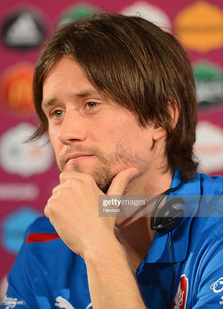 Czech Republic Press Conference - Quarter Final: UEFA EURO 2012 : ニュース写真