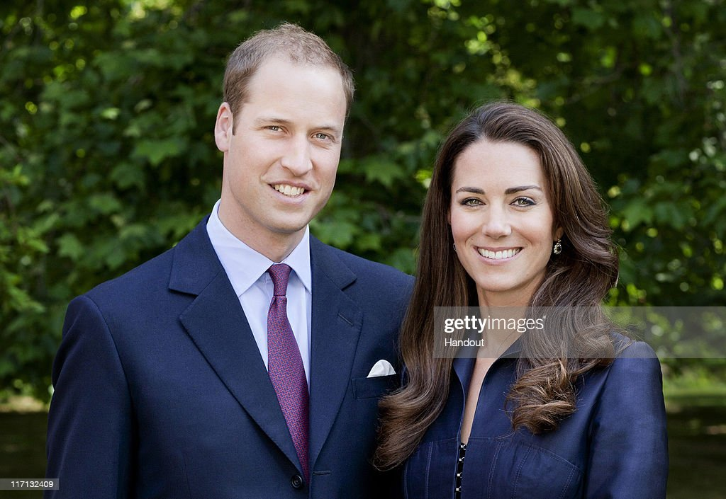 The Duke And Duchess of Cambridge - Official Tour Portrait : Nachrichtenfoto