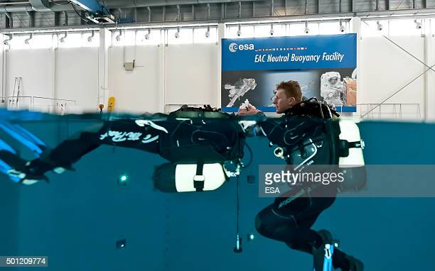 In this handout image supplied by the European Space Agency British ESA astronaut Major Timothy Peake trains for the PADI Rescue Diver certificate at...