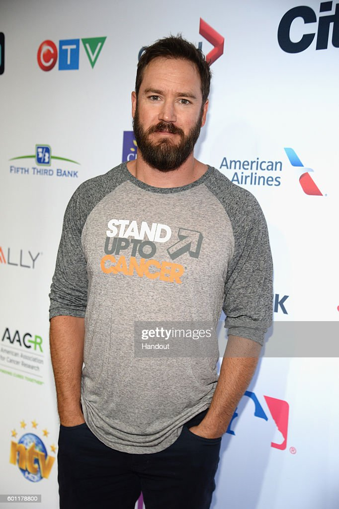 Hollywood Unites For The 5th Biennial Stand Up To Cancer , A Program Of The Entertainment Industry Foundation  - Red Carpet