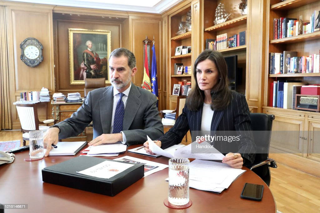 Spanish Royals Meet Social Entities On Video Conference : Nachrichtenfoto