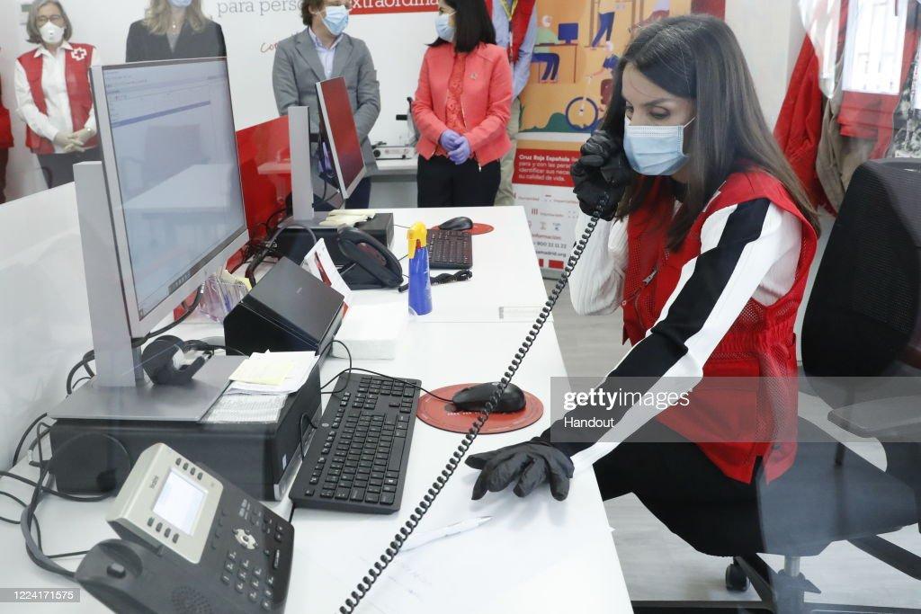 Queen Letizia Of Spain Visits Cruz Roja Spain : News Photo