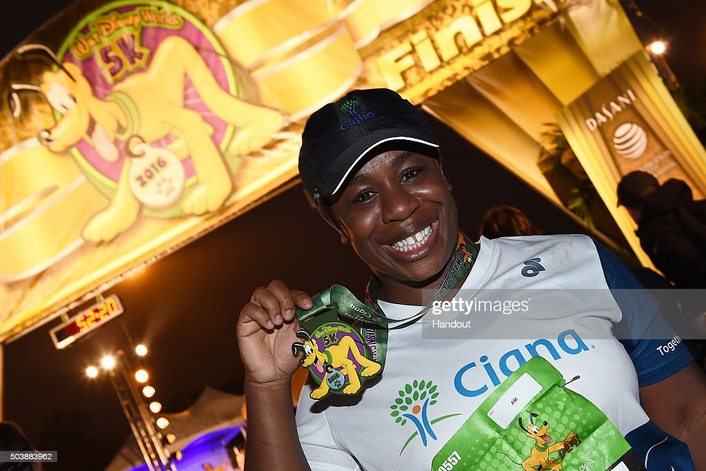 Actress Uzo Aduba Runs Walt Disney World 5K
