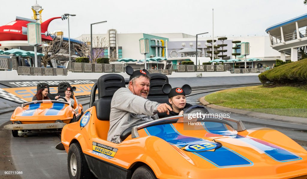 Larry the Cable Guy visits Walt Disney World : News Photo