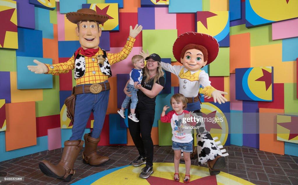 "Kelly Clarkson & Kids Meet Pixar Pals At First-Ever ""Pixar Fest"" At Disneyland : News Photo"