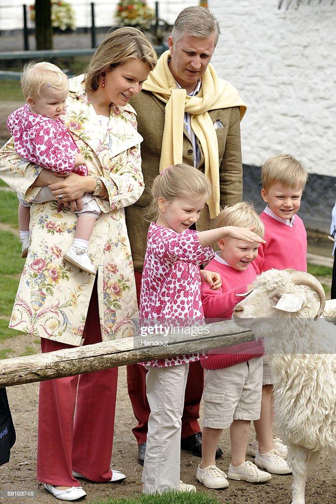 Prince Philippe, Princess Mathilde of Belgium - Summer Photocall