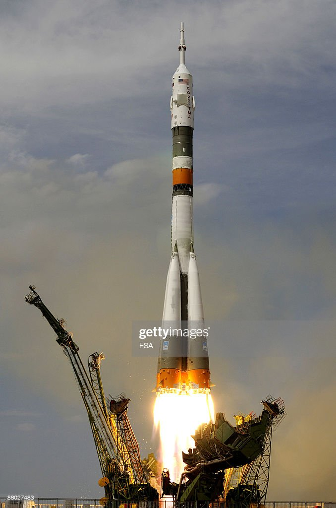 Soyuz TMA-15 Launches In Kazakhstan : News Photo