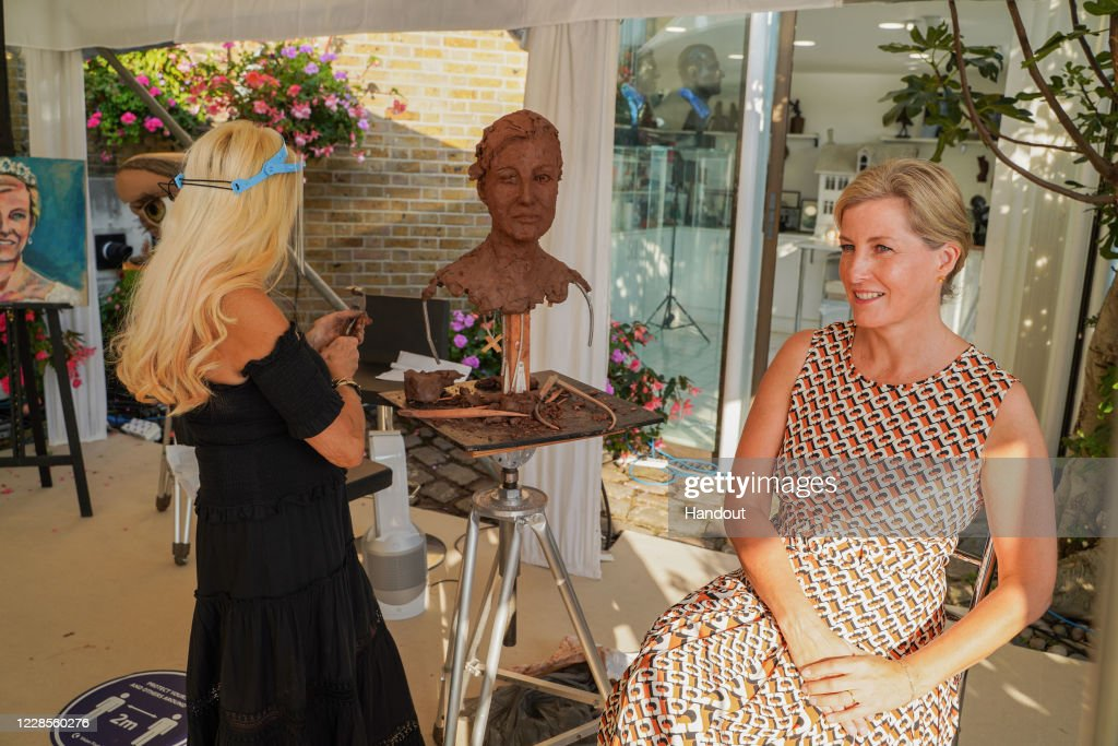 Countess of Wessex  sculpture sitting : News Photo