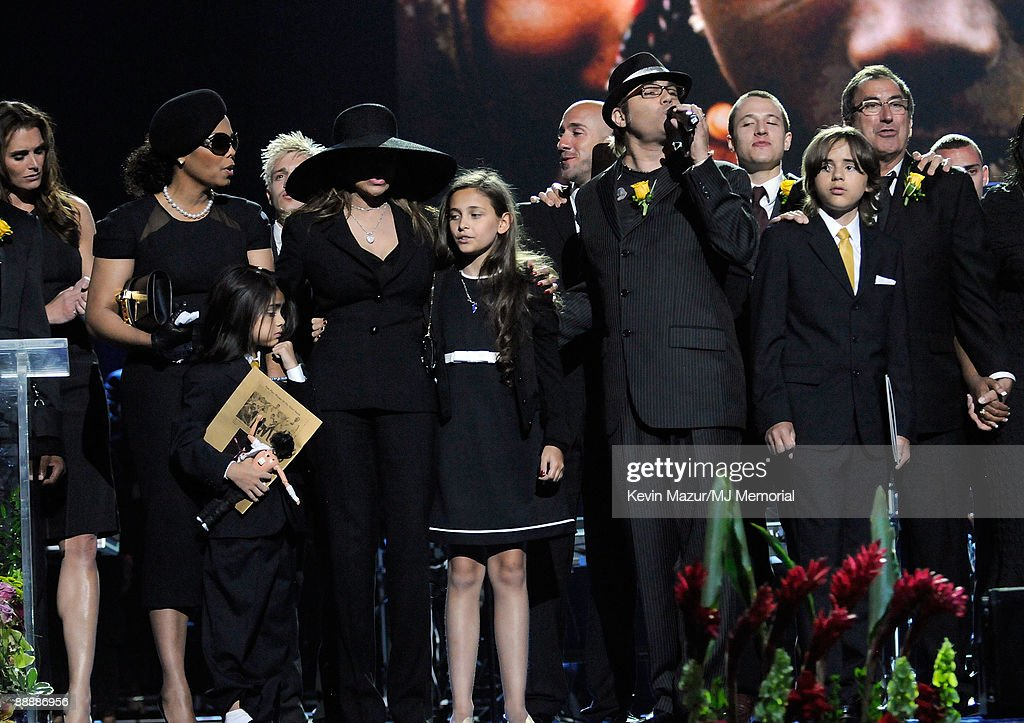 Michael Jackson Public Memorial Service - Inside : News Photo