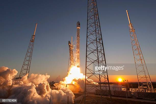 In this handout provided by the National Aeronautics and Space Administration SpaceX's Falcon 9 rocket lifts off from Launch Complex 40 carrying the...