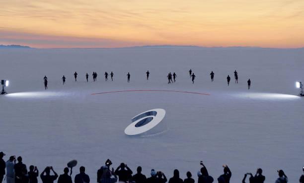 UT: ASICS Launches the GLIDERIDE™ on the Bonneville Salt Flats in Utah