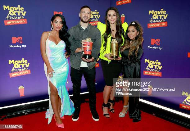 """In this image released on May 17, Angelina Pivarnick, Vinny Guadagnino, Jenni """"JWOWW"""" Farley, and Nicole """"Snooki"""" Polizzi, winners of the Reality..."""