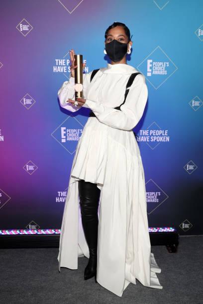 CA: 2020 E! People's Choice Awards - Backstage