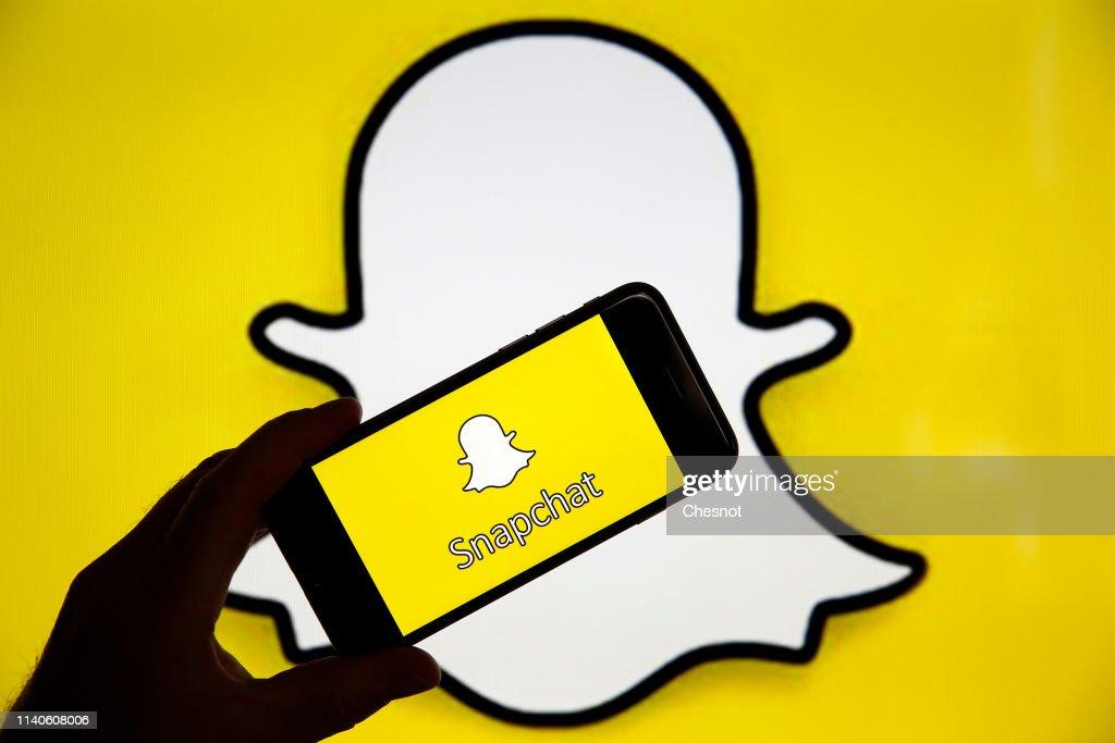 Snapchat : Illustration : News Photo