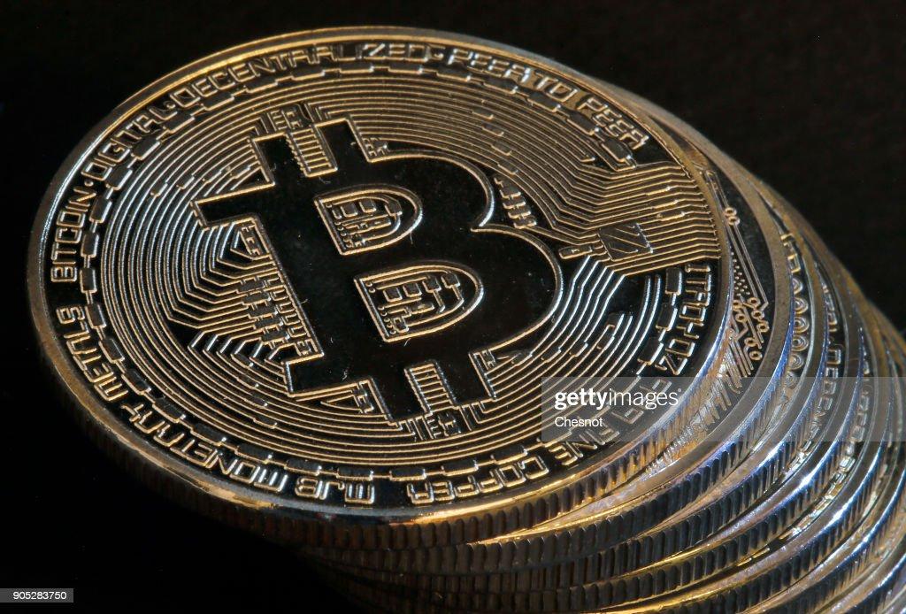 Digital Cryptocurrencies Bitcoin And Litecoin : Illustration in Paris