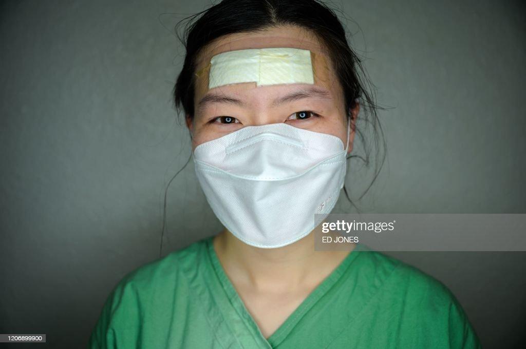SKOREA-HEALTH-VIRUS-PORTRAIT : News Photo
