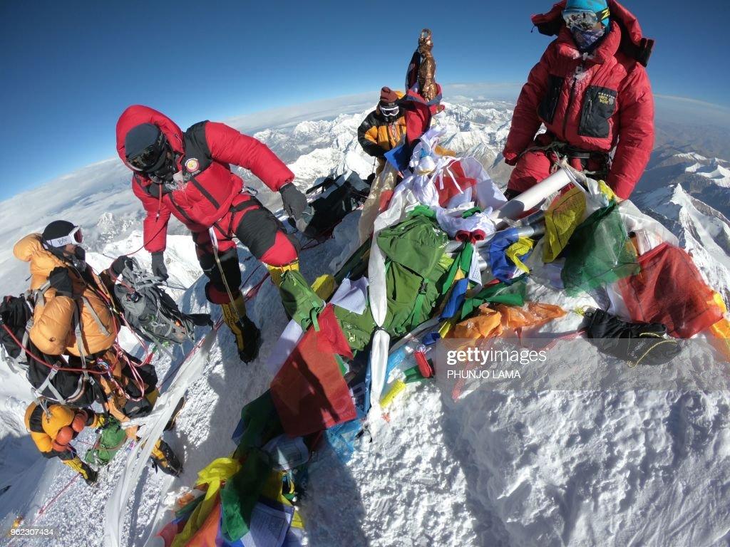 NEPAL-MOUNTAINEERING-EVEREST : News Photo