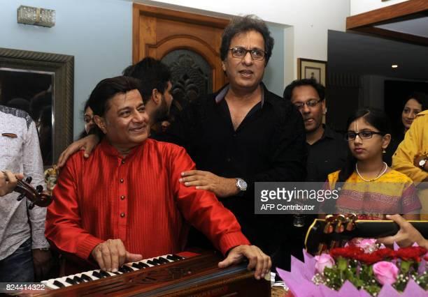 In this photograph taken July 29 2017 Indian ghazal singer Talat Aziz performs during the 64th birthday celebration of Ghazal and Bhajan singer Anup...