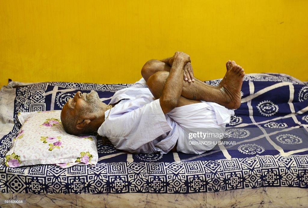 INDIA-LIFESTYLE-OLDEST-MAN : News Photo