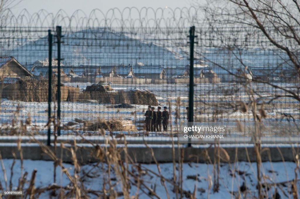 TOPSHOT-CHINA-NKOREA-DIPLOMACY-SECURITY : Fotografía de noticias