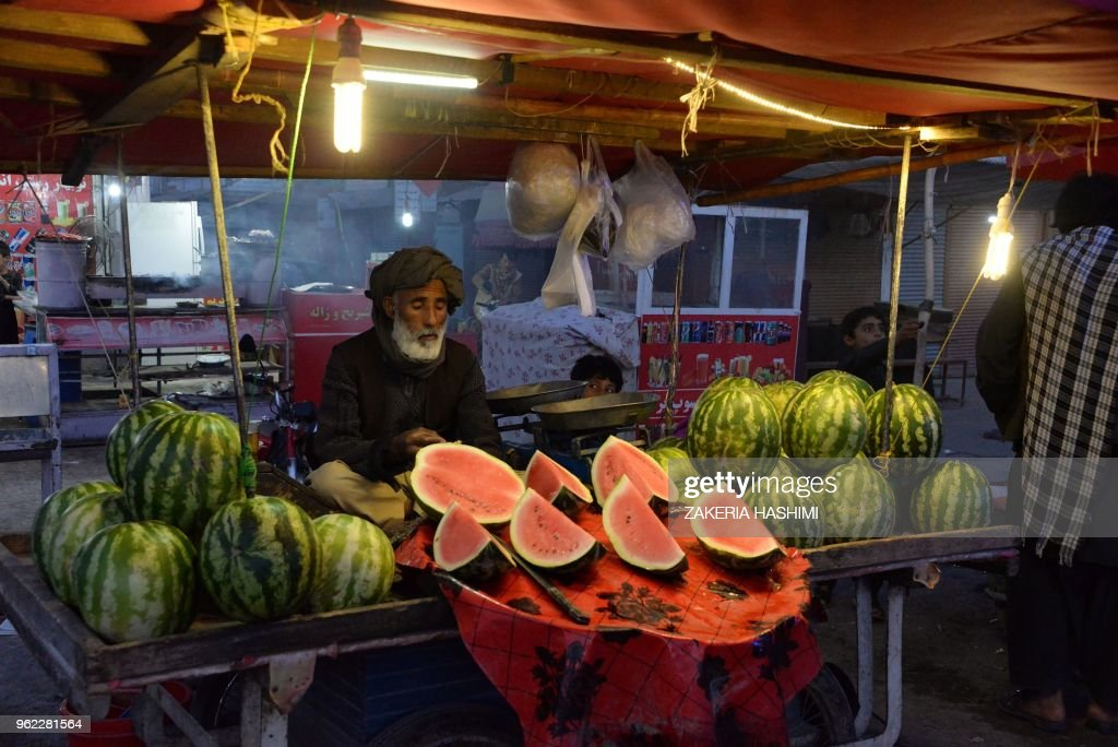 TOPSHOT-AFGHANISTAN-RELIGION-ISLAM-RAMADAN : ニュース写真