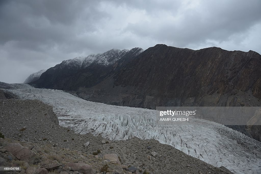 CLIMATE WARNING-COP21-PAKISTAN-ENVIRONMENT-GLACIER : News Photo