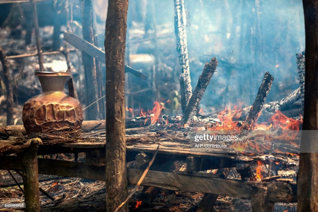 MYANMAR-BANGLADESH-REFUGEE-ROHINGYA-UNREST : News Photo
