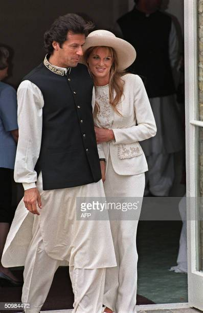 In this picture taken 20 June 1995 Pakistan cricketer and politician Imran Khan and Jemima Goldsmith leave Richmond Registry Office in London after...