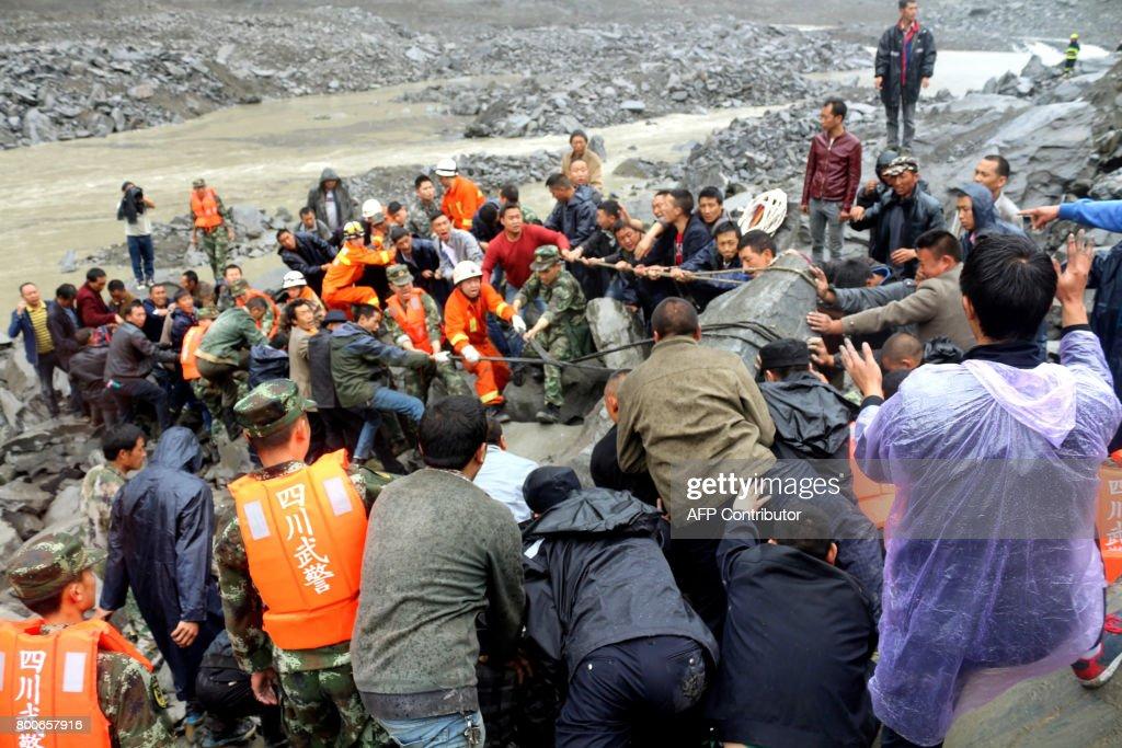 CHINA-LANDSLIDE : News Photo