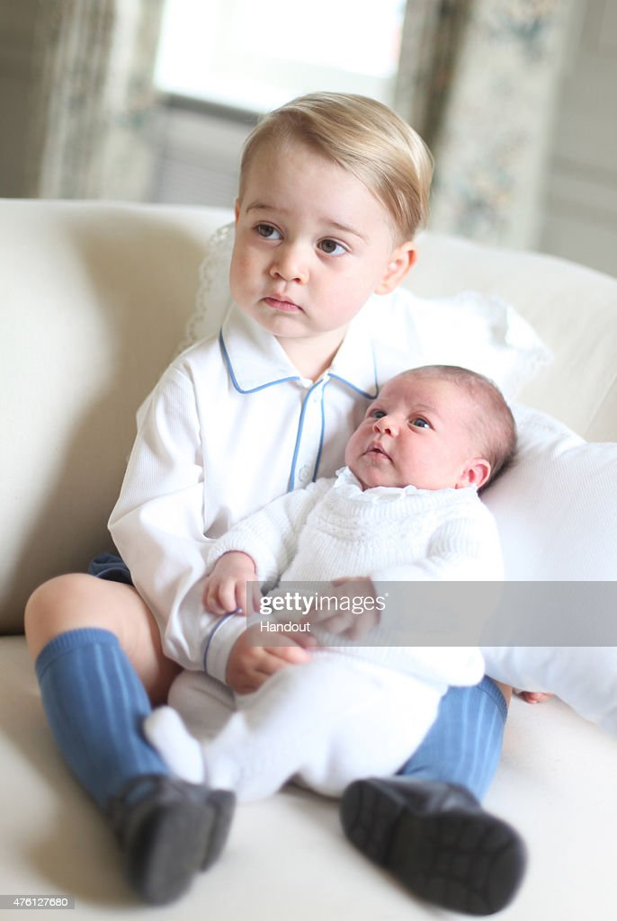 Prince George & Princess Charlotte Of Cambridge - Official Photographs Released : ニュース写真