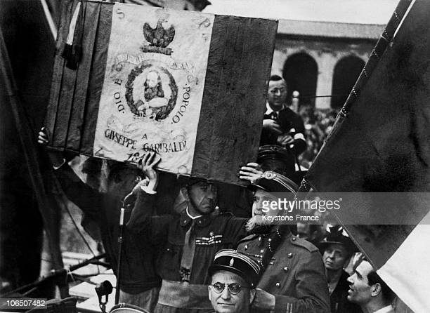 In Traditional Costumes, The Italian Republicans Lifting The Garibaldi Flag After The Referendum Abolishing The Monarchy.