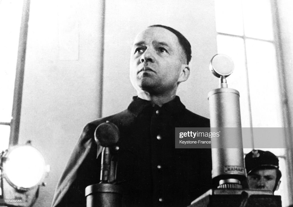 Rudolf Hoess During His Trial In Warsaw : News Photo
