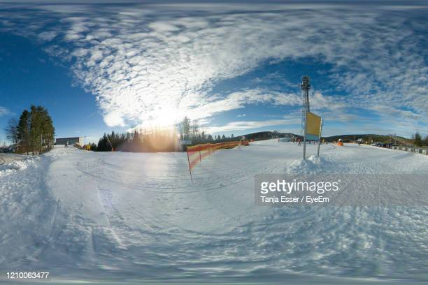 in winterberg, the ski slope in the kappe area. lift, snow cannon, unknown skiers can be seen. - winterberg stock-fotos und bilder