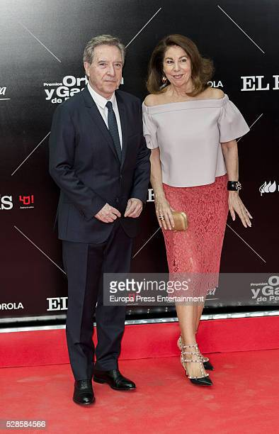 Inaki Gabilondo and Lola Carretero attend the dinner for the 40th anniversay of 'El Pais' newspaper and the ceremony of 'Ortega y Gasset' Journalism...