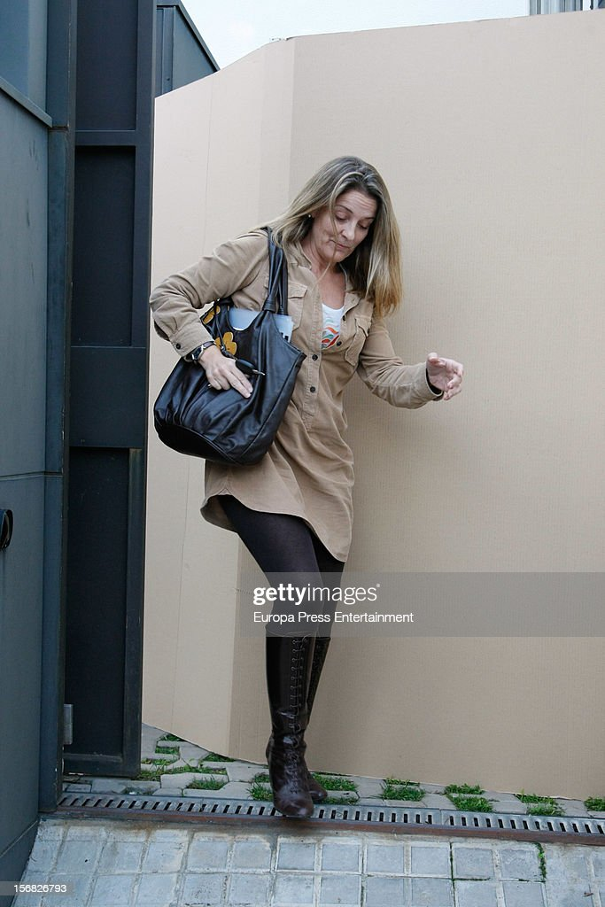 Inaki Urdangarin's secretary Julita Cuquerella (R) is seen at Princess Cristina of Spain and Inaki Urdangarin's house on November 21, 2012 in Barcelona, Spain. Dukes of Palma are moving to get settled in a modest house after the anti-corruption prosecutor Pedro Horrach asked a bond of 8 million euros for the corruption case 'Caso Noos'.