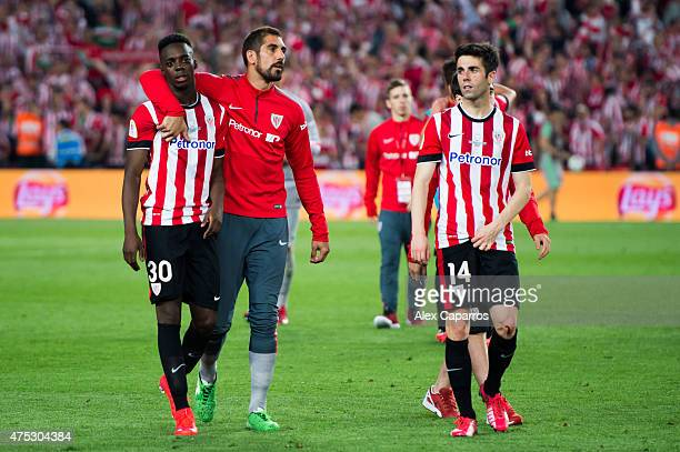 Inaki Williams Gorka Iraizoz and Markel Susaeta look dejected after the Copa del Rey Final between Athletic Club and FC Barcelona at Camp Nou on May...