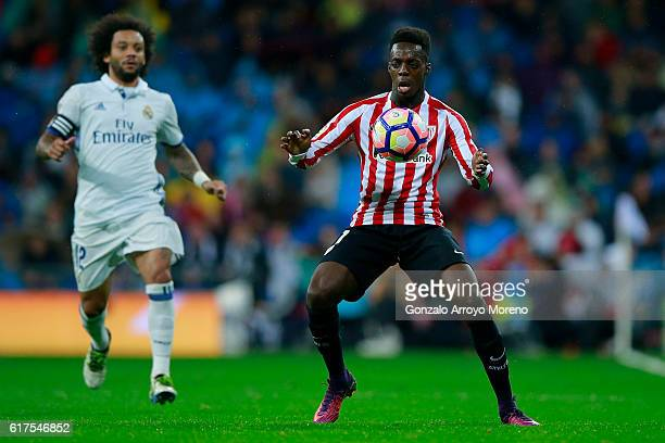 Inaki Williams of Athletic Club controls the ball during the La Liga match between Real Madrid CF and Athletic Club de Bilbao at Estadio Santiago...