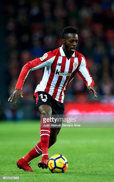 Inaki Williams of Athletic Club controls the ball during the La Liga match between Athletic Club Bilbao and Deportivo Alaves at San Mames Stadium on...