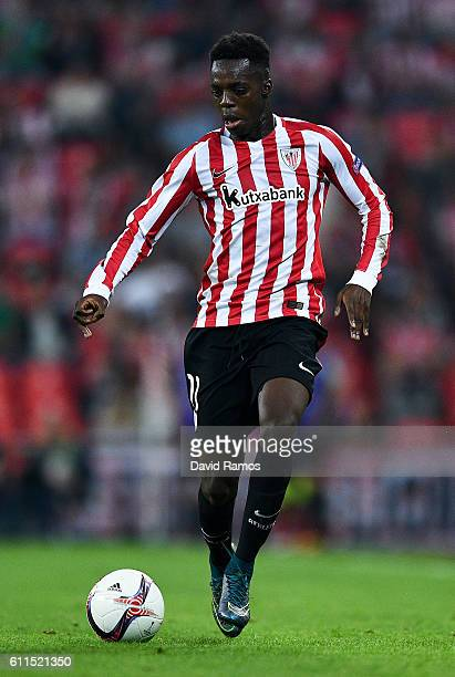 Inaki Williams of Athletic Club runs with the ball during the UEFA Europa League Group F match between Athletic Club and SK Rapid Wien at San Mames...